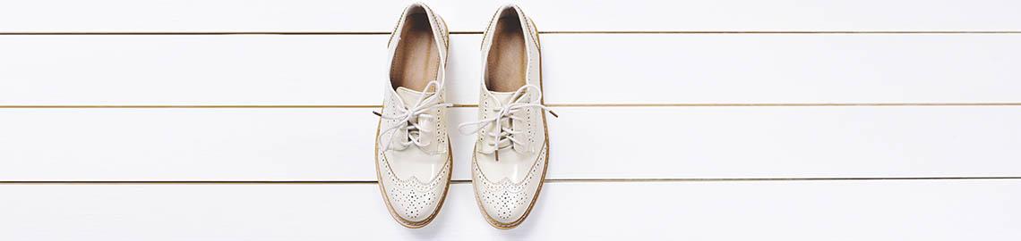 Weiße schuhe putzen | Weiße Sneaker reinigen: Mit diesen 5
